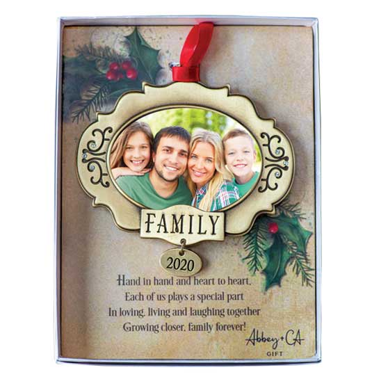 CO917 Family 2020 Christmas Ornament